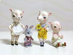 borrowed clothes from Sylvanian. more on leleDoll