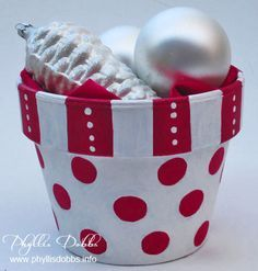 Google Image Result for http://phyllisdobbs.info/wp-content/uploads/red-and-white-Christmas-painted-pot-2.jpg