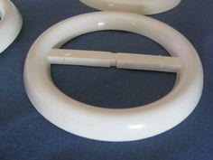 9 Stück Gürtelschnallen ohne Dorn,Weiß-Crem,Rund,Durchmesser ca.82 mm,Steg ca.58 mm,Neu,Lübecker Knopfmanufaktur von Knopfboutique auf Etsy