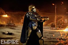 star-wars-the-force-awakens-first-order-spot-and-new-captain-phasma-photo