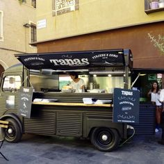 Comienza el Food Truck Tour de @plateselector, todo el fin de semana en @lasarmaszaragoza  #zaragozaguia #zaragoza #zgz #regalazaragoza #zaragozapaseando #zaragozaturismo #zaragozadestino #miziudad #zaragozeando #mantisgram #magicaragon #loves_zaragoza #loves_aragon #igerszaragoza #igerszgz #igersaragon #instazgz #instamaños #instazaragoza #zaragozamola