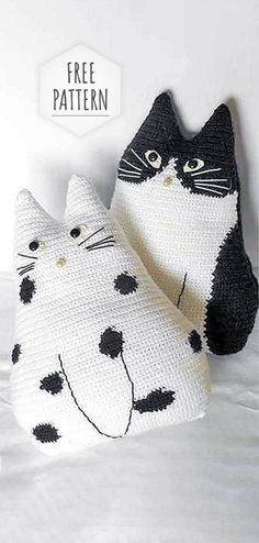 Knitting Pillow Cat Free Pattern Knitting Pillow Cat Free Pattern Learn the basics of how to crochet Chat Crochet, Crochet Amigurumi, Crochet Toys, Free Crochet, Crochet Pillow Pattern, Knit Pillow, Crochet Stitches, Knitted Pillows, Pillow Patterns