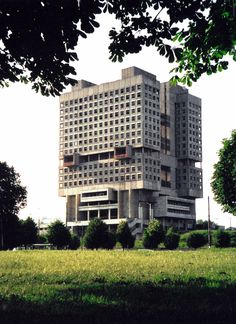 "The House of the Soviets in Kaliningrad, Russia. Nicknamed ""buried robot"", the brutalist structure looks like the head of a giant robot buried in the ground. [1116x1534]"