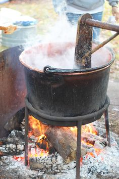 Apple Butter Weekend: A Family Tradition - Thriving Home