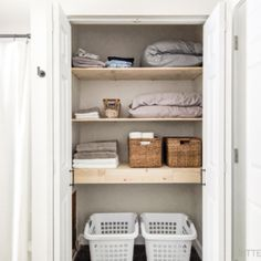 Add a lot of storage space to your room with these plans to build a DIY nightstand with 3 drawers. Grab the free plans from Bitterroot DIY. Diy Closet Shelves, Easy Shelves, Closet Organization, Storage Shelves, Entryway Shelf, Plywood Projects, Woodworking Projects Diy, Woodworking Bench, Pallets