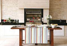 Consultoria de Decoração: Apê com cozinha/churrasqueira e banheiro pequeno!