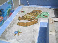 Execução Mosaico em pastilhas de vidro em piscina