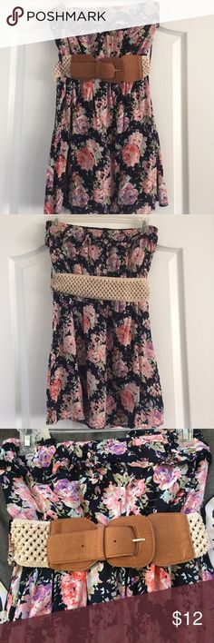 Strapless flower summer dress Strapless summer dress with belt. Can be worn with or without belt. Has two layers, light materials. 65% cotton, 35% rayon. Dresses Strapless