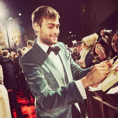 """Douglas Booth charms the crowds at the Douglas Booth, Crowd, Beautiful People, Actors, Couple Photos, Instagram Posts, Life, Awards, Pretty People"