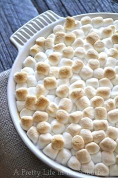 Sweet Potato Casserole with Toasted Marshmallow Topping. A delicious holiday side dish! Thanksgiving Recipes, Fall Recipes, Holiday Recipes, Thanksgiving Casserole, Christmas Recipes, Christmas Ideas, Oven Baked Salmon, Sweet Potato Recipes, Easy Sweet Potato Casserole