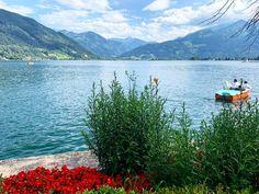 Лыжный сезон в Целль-ам-Зее – Капруне начинается ранней осенью и продолжается до конца весны. Осень, идеальное время года для тех, кто соскучился по лыжам🎿 . В горах - зима, а внизу - до сих пор лето🌞😊 🚘 Частные трансферы в Альпах. Путешествуйте с нами комфортно и безопасно🚘 alpinbus.ru 🚘 alpinbus.com 🚘 alpinbus.eu 🚘 Reliable transfers 🚘 Mountains, Nature, Travel, Voyage, Viajes, Traveling, The Great Outdoors, Trips, Mother Nature