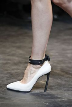 Lanvin Autumn/Winter 2011 RTW, PFW.
