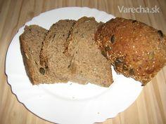 Celozrnný zemiakový chlieb - recept | Varecha.sk Meatloaf, Bread Recipes, Banana Bread, Pizza, Desserts, Food, Basket, Tailgate Desserts, Essen