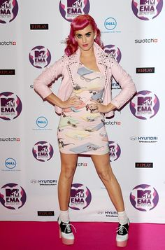 Katy Perry's 100 Sexiest Photos: The 'Dark Horse' Singer's Hottest Moments (PICS) MTV Europe Music Awards 2011 - Arrivals - Belfast