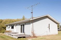 Call The Brent Melville Real Estate Team at 780-699-2903 or visit http://www.remax-morinville.ab.ca/listing/bon-accord/none/e4059118-23504-twp-572 to view this 3 bed, 2 bath single family home in Sturgeon County!