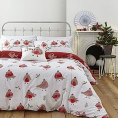 Stylish and contemporary duvet covers available from Dunelm. Our bed linen range includes a variety of colours and patterns, all made with high quality material and in every size, from single to king size duvet covers. Red Duvet Cover, King Size Duvet Covers, Duvet Cover Sets, Bedroom Themes, Diy Bedroom Decor, Bedroom Ideas, Contemporary Duvet Covers, Double Duvet Set, Christmas Bedroom