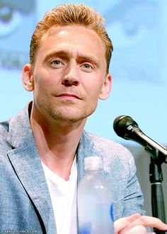 Tom Hiddleston @ the Legendary Pictures panel for 'Crimson Peak' during Comic-Con International 2015,  San Diego, California, 11.7.2015 From http://semperpertinax.tumblr.com/post/123904872542/larygo-tom-hiddleston-the-legendary-pictures