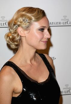 Wedding Beauty Inspired by The Great Gatsby. Diane Kruger's Jeweled Finger Waves. Finger waves like the ones Kruger sported at a 2007 event were all the rage in the '20s but remain a timeless and elegant wedding hairstyle. The jeweled clips add an extra bit of glam to her low chignon.