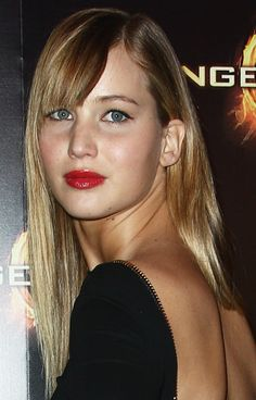 Jennifer Lawrence, I love this look. It reminds me of one of the better looks from the 90's.