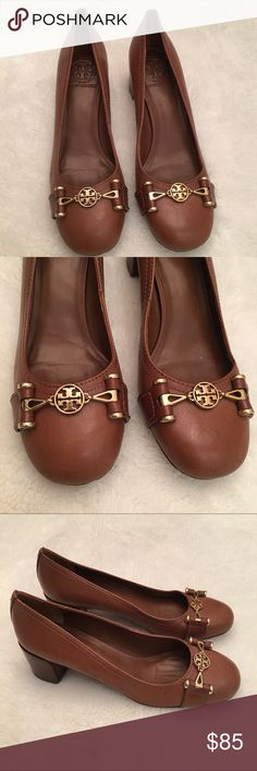 """Tory Burch Daria Brown Leather Low Pumps size 8 Preowned authentic Tory Burch Daria Brown Leather Low Pumps size 8. Heel is 2"""" inches. Please look at pictures for better reference. Happy shopping!! Tory Burch Shoes Heels"""