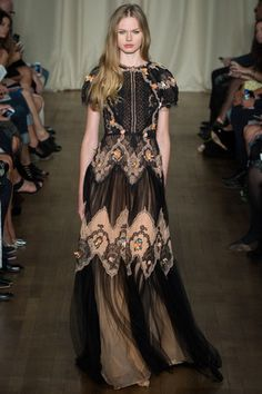 Marchesa Spring 2015 RTW Silk Tulle–and–Organza Gown With Chantilly-Lace Detail