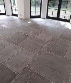 Exterior Design, Interior And Exterior, Industrial Flooring, Belgian Style, Next At Home, Kitchen Flooring, Tile Design, Vintage Industrial, Apartment Living