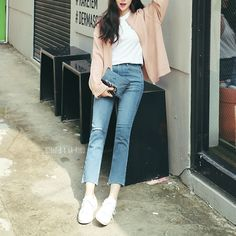 ↠ girlz-b: zip cardigan + shoes Korean Fashion Minimal, Korean Fashion Winter, Korean Girl Fashion, Ulzzang Fashion, Korea Fashion, Asian Fashion, Japanese Outfits, Korean Outfits, Casual Outfits