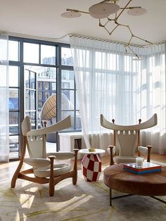 See more of Damon Liss Design's High Line Penthouse on 1stdibs