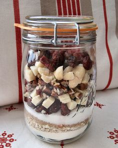Christmas Gift - DIY : Mix for cookies (cranberries, pecans, white chocolate, macadamia nuts)