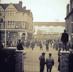 Crowds start to gather outside White Hart Lane before the 1962 European Cup semi final second leg v Benfica | Tottenham Hotspur Football Club