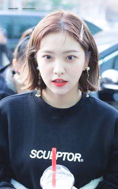 dedicated to female kpop idols. Seulgi, Red Velvet イェリ, Red Velvet Irene, Kpop Girl Groups, Korean Girl Groups, Kpop Girls, Ulzzang, Red Velet, Rapper
