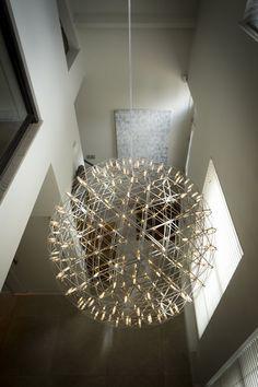 Luxe verlichting in hal | lighting fixtures | design verlichting | design lamp | design accessories | Hoog.design