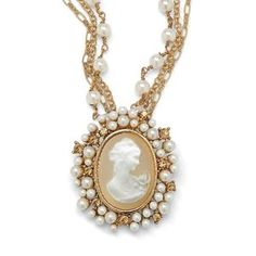 Palm Beach Jewelry Goldtone Cameo Lucite Pendant/Necklace