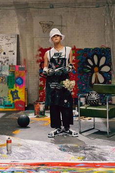 'Nike Korea' announced on November 8 that G-Dragon of Big Bang will host a private event to promote the release of his 'Nike x PEACEMINUSONE' limited edition shoes. Yg Entertainment, K Pop, Nike Fashion, Mens Fashion, G Dragon Fashion, Korean Boys Ulzzang, Nike Air Force 1, Nike Wallpaper, Bigbang G Dragon
