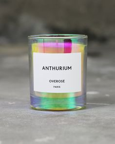 20 Mesmerizing Holographic and Iridescent Packaging Designs Candle Branding, Candle Packaging, Candle Logo, Scented Candles, Candle Jars, Image Bougie, Perfume, Neon Glow, Brand Packaging
