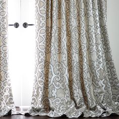 Luxurious Bordered Linen Drapes On Sale at DrapeStyle. Save Off Designer Linen Drapes in Your Choice of 20 Exclusive Fabrics and Contemporary Pleat Styles. Custom Drapes, Drapes And Blinds, Custom Drapery, Dining Room Updates, Dining Room Curtains, Bedroom Drapes, Curtains, Soft Furnishings, Drapestyle
