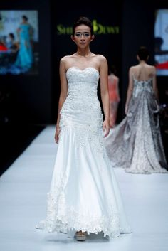 Shinta Dewi, Spring-Summer 2017, Jakarta, Womenswear Jakarta Fashion Week, Business Fashion, One Shoulder Wedding Dress, Women Wear, Spring Summer, Bridal, Wedding Dresses, How To Wear, Bride Dresses