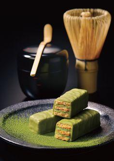 石屋製菓の新商品が道外初出品 Green Tea Dessert, Mochi Cake, Green Tea Recipes, Matcha Smoothie, Japanese Sweets, Matcha Green Tea, No Bake Treats, Sweet Desserts, Aesthetic Food