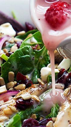 Kneader's Cranberry Sunflower Salad Recipe Copycat ~ With turkey or chicken, sunflower seeds, raspberry poppyseed dressing, and mozzarella cheese!