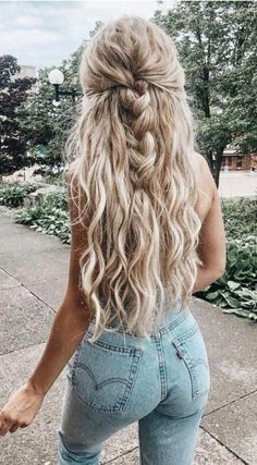 long blonde beachy curls and blonde balayage hair icy blonde hair ideas high waisted levis skinny jeans half french braid hair updo ideas for women best braids for bridesmaids - New Hair Cut French Braid Hairstyles, Trendy Hairstyles, High School Hairstyles, Wedding Hairstyles, Boho Hairstyles For Long Hair, Cute Hairstyles With Curls, Korean Hairstyles, Fashion Hairstyles, Homecoming Hairstyles