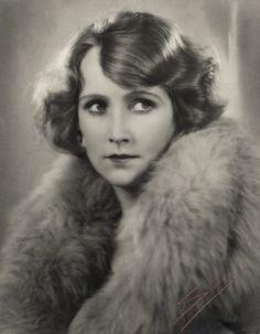 Fay Compton by Sasha (Alexander Stewart), September 1929