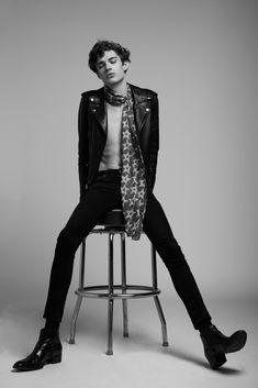 High fashion poses, b fashion, best mens fashion, leather fashion, editorial fashion Foto Fashion, Fashion Shoot, Editorial Fashion, Photography Poses For Men, Fashion Photography, White Fashion, Leather Fashion, Moda Indie, Book Modelo