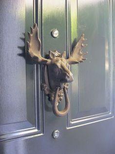 moose head door knocker WANT! Antique Door Knockers, Door Knockers Unique, Door Knobs And Knockers, Cool Doors, Unique Doors, Moose Head, Door Accessories, Door Furniture, Door Locks