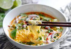 C'est une soupe qui est fabuleusement bonne et très facile à faire... Ceux qui aiment le goût particulier de la bouffe thaïlandaise vont en raffoler!