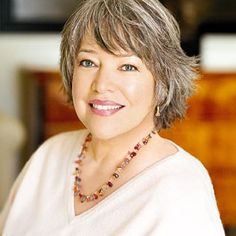 Kathy Bates never looked lovelier than with gray / grey hair