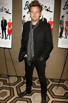 Ewan McGregor #scarf #celebrity #fashion