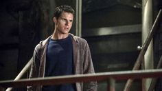 The Tomorrow People's Robbie Amell joins The Flash as Firestorm