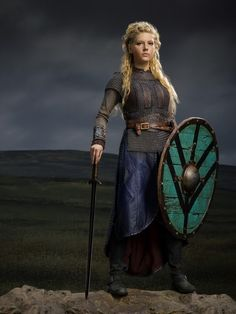 """Star of popular historical epic series """"Vikings"""", Katheryn Winnick kicks butt both on and off screen Vikings Lagertha, Viking Series, Viking Garb, Armor Clothing, Female Armor, Katheryn Winnick, Shield Maiden, Cool Costumes, Playing Dress Up"""