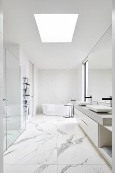 Discover the best modern bathroom ideas, designs & inspiration to match your style. Check out photos of modern bathroom decor & colours to produce you bathroom design Modern Small Bathrooms, Modern Bathroom Decor, Amazing Bathrooms, White Bathrooms, Dream Bathrooms, Bad Inspiration, Bathroom Inspiration, Bathroom Design Luxury, Bathroom Designs