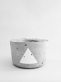 Concrete tealight holder | Concrete product design | Concrete | Interior | Inspiration | design | Beton design | Betonlook | www.eurocol.com